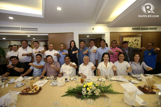 JUMP SHIP. New members take their oath under the PDP-Laban led by their Secretary-General representative Pantaleon Alvarez during a short ceremony at a hotel in Makati City on Thursday, June 2, 2016. Photo by Ben Nabong/Rappler