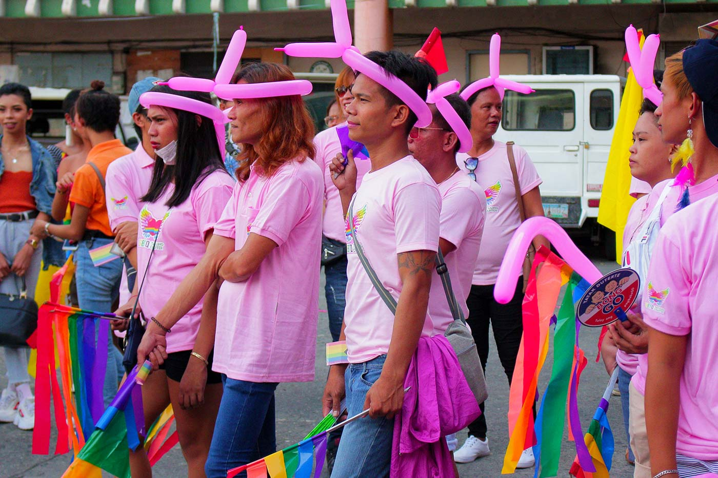 SUPPORT. Members of the Taculing LGBTQ chapter show unity during the Pride parade in Bacolod City on Saturday, June 22. Photo by Nichol Francis Anduyan