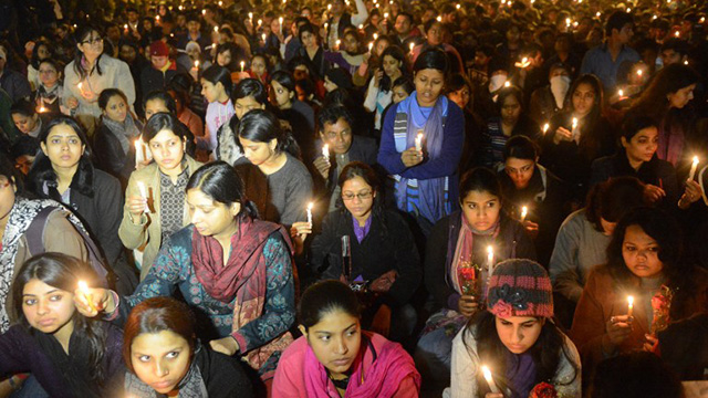NO MORE RAPES. Indian protestors hold candles during a rally in New Delhi on December 29, 2012, after the death of a gang rape student from the Indian capital. Photo from AFP