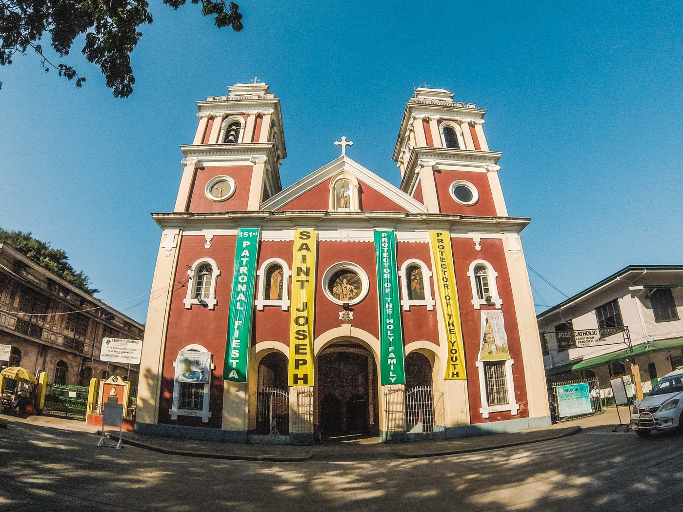 HISTORIC. The first church built in Iloilo City, San Jose Church houses the replica of the Sto Niño de Cebu. This is also where Dinagyang Festival is celebrated. Photo by Carl Don Berwin/Rappler