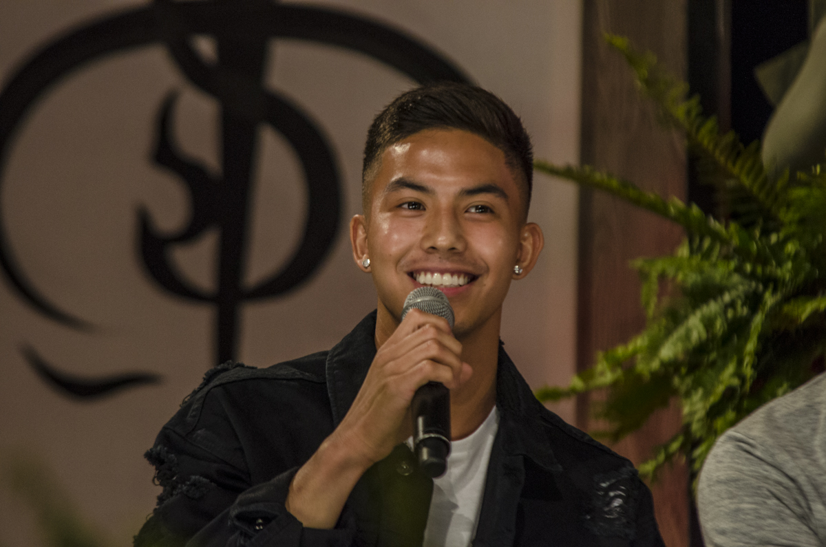 APOLOGY. Tony Labrusca apologizes to the immigration officer he confronted at the Ninoy Aquino International Airport over his visa status. File photo by Rob Reyes/Rappler