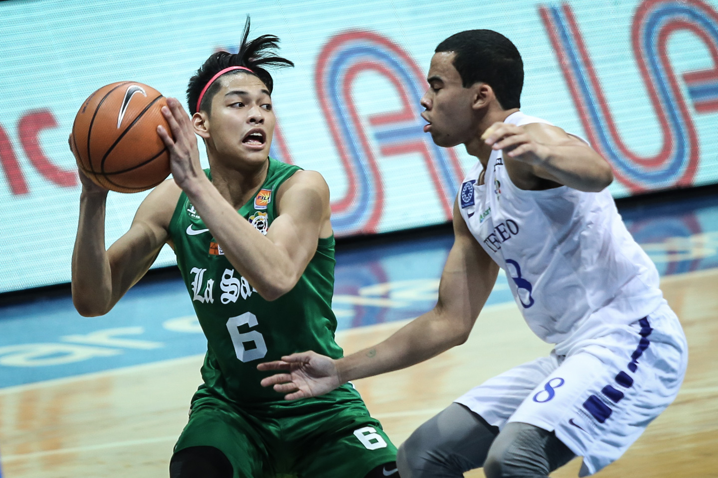 REVENGE. The Green Archers take game 2 of their rivalry match against the Blue Eagles. File Photo by Josh Albelda/Rappler