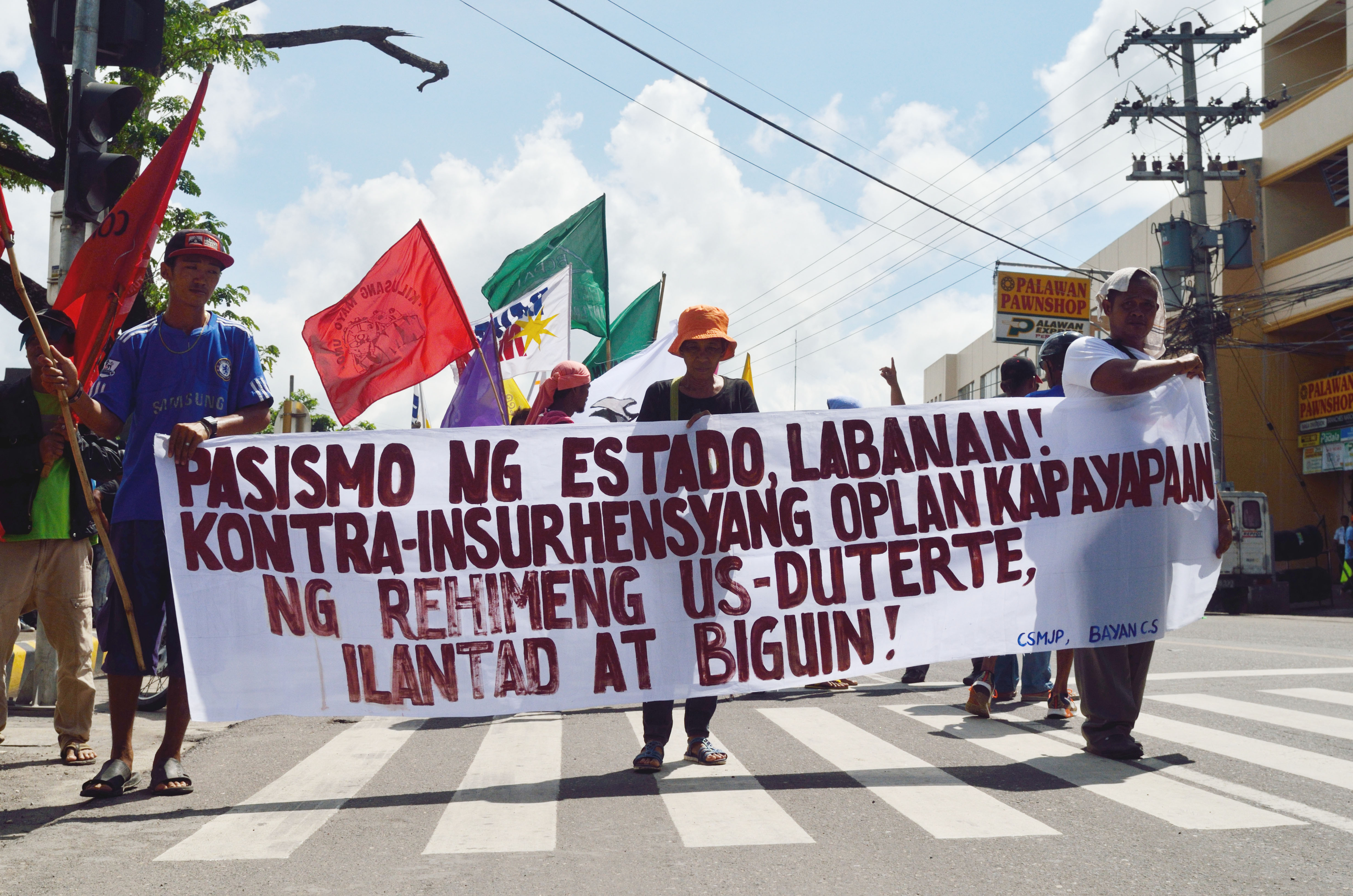 NATIONWIDE. Protesters in Naga City join the nationwide activities marking the 45th anniversary of the declaration of Martial Law. Photo by Miguel Imperial/Rappler