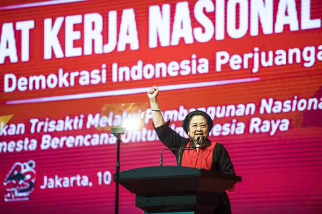 Ketua Umum Megawati Soekarnoputri menyampaikan pidato penutupan Rakernas I PDI-Perjuangan di Jakarta, pada 12 Januari 2016.Foto oleh M Agung Rajasa/Antara