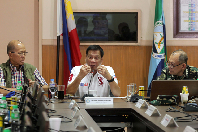 INTERNAL SECURITY. President Rodrigo Duterte presides over the command conference at the Western Mindanao Command headquarters in Zamboanga City on July 21. Photo by Kiwi Bulaclac/PPD
