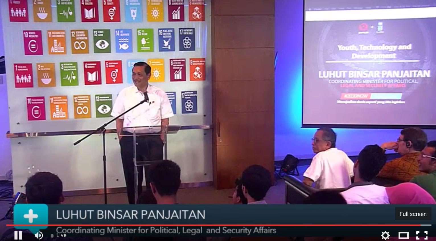 PEMBICARA. Menteri Luhut Binsar Panjaitan menjadi salah satu pembicara dalam acara ini.
