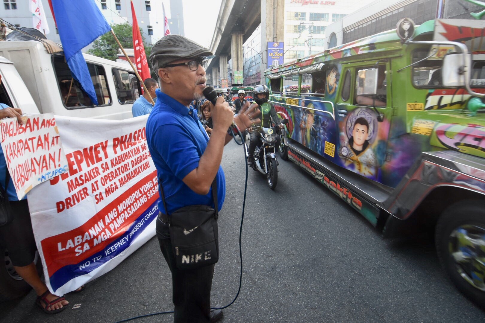Piston's president George San Mateo calls for support and understanding from the public. Photo by Angie de Silva/Rappler