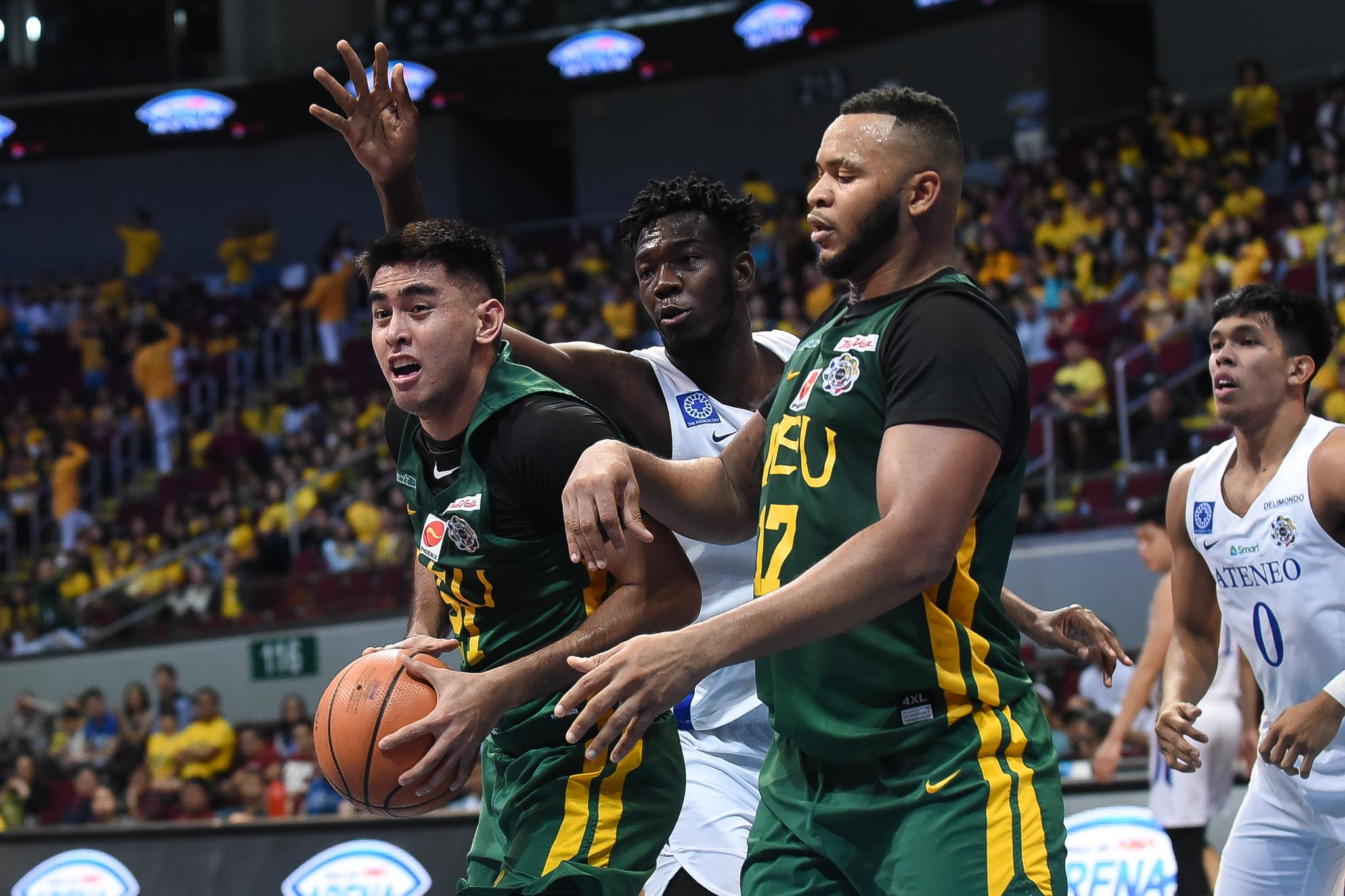 reputable site b5deb 06fa6 FEU stuns Ateneo in UAAP thriller
