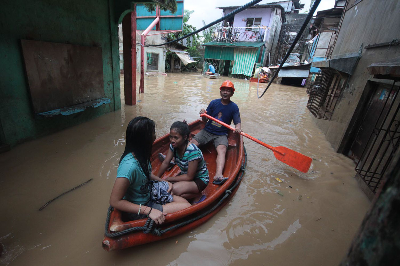 TYPHOON OMPONG. Residents of Barangay Banaba in San Mateo, Rizal, suffer flooding due to Typhoon Ompong (Mangkhut) on September 15, 2018. Photo by Darren Langit/Rappler