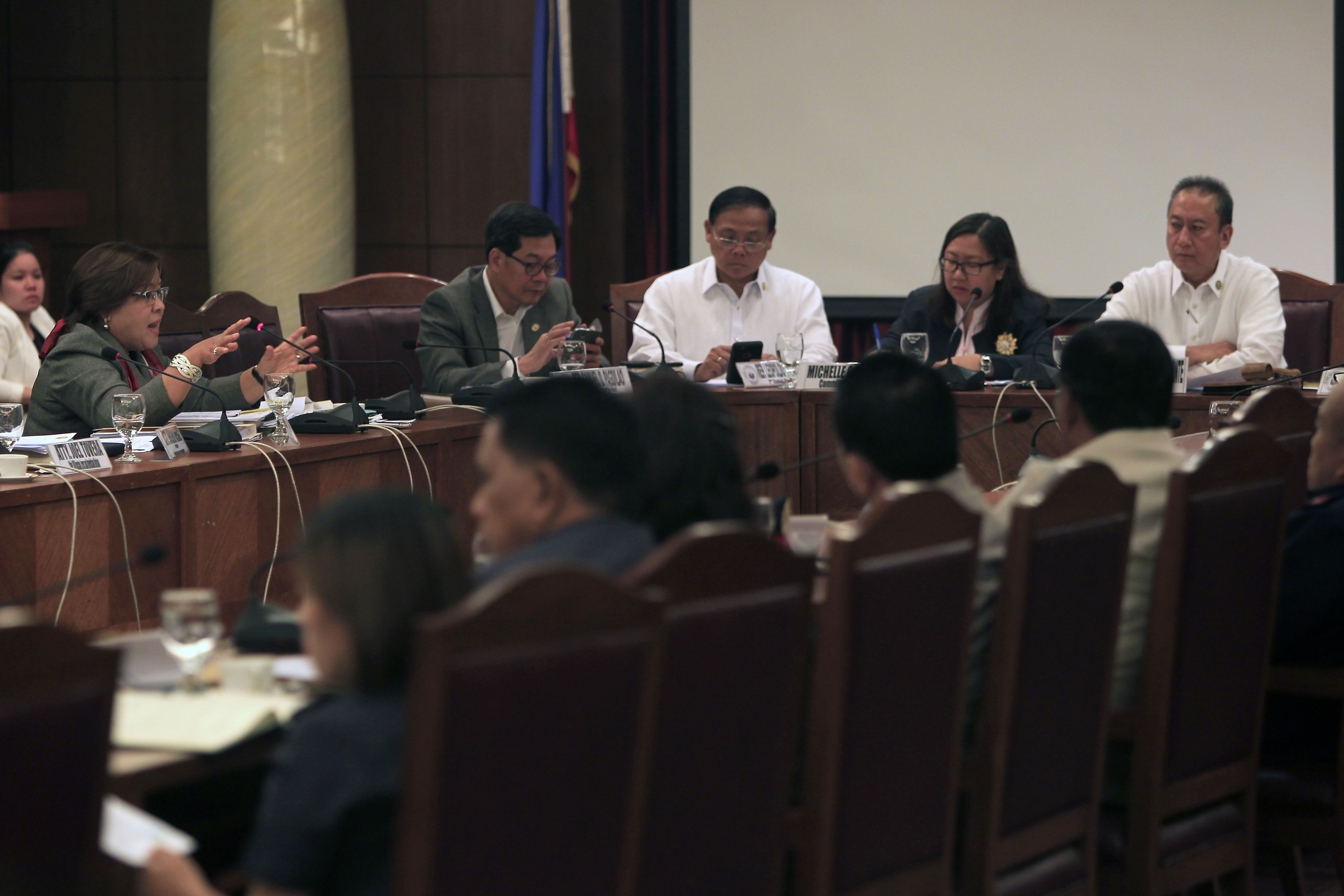 Illegal drugs inquiry congress live streaming