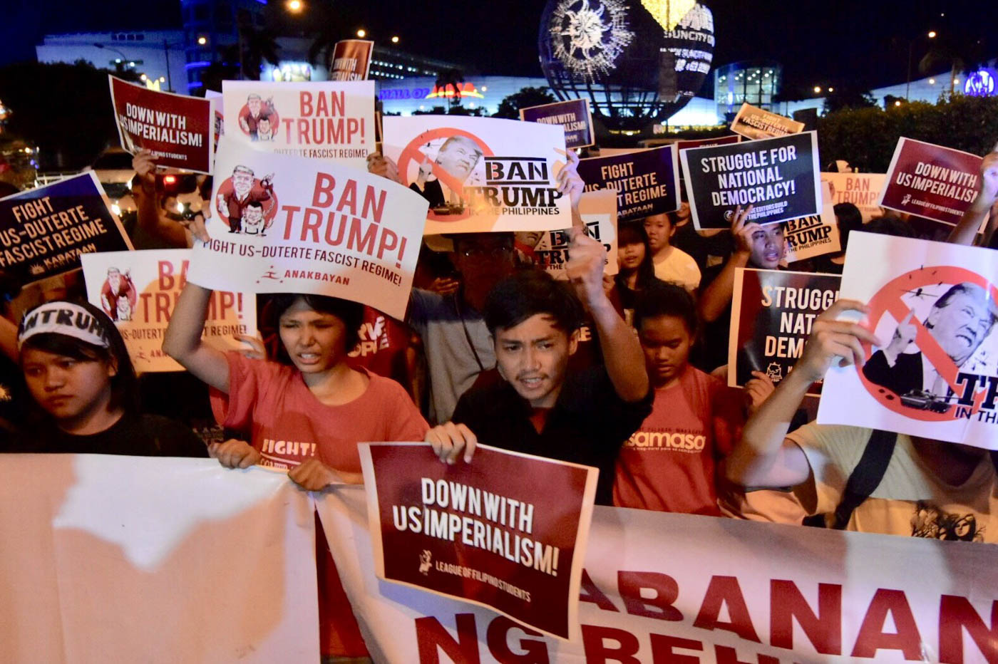 NOT WELCOME. These young people made sure to tell US president Donald Trump that he is not welcome in the Philippines. Photo by LeAnne Jazul/Rappler