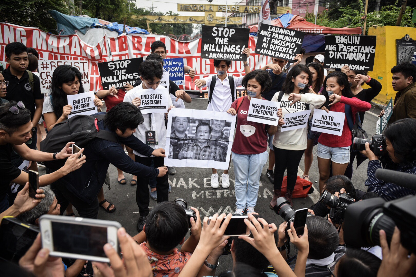 DEFEND PRESS FREEDOM. Campus journalists from CEGP protest to defend press freedom from the oppression of Duterte's government in front of the Mendiola Peace Arch on January 17, 2018. Photo by Alecs Ongcal
