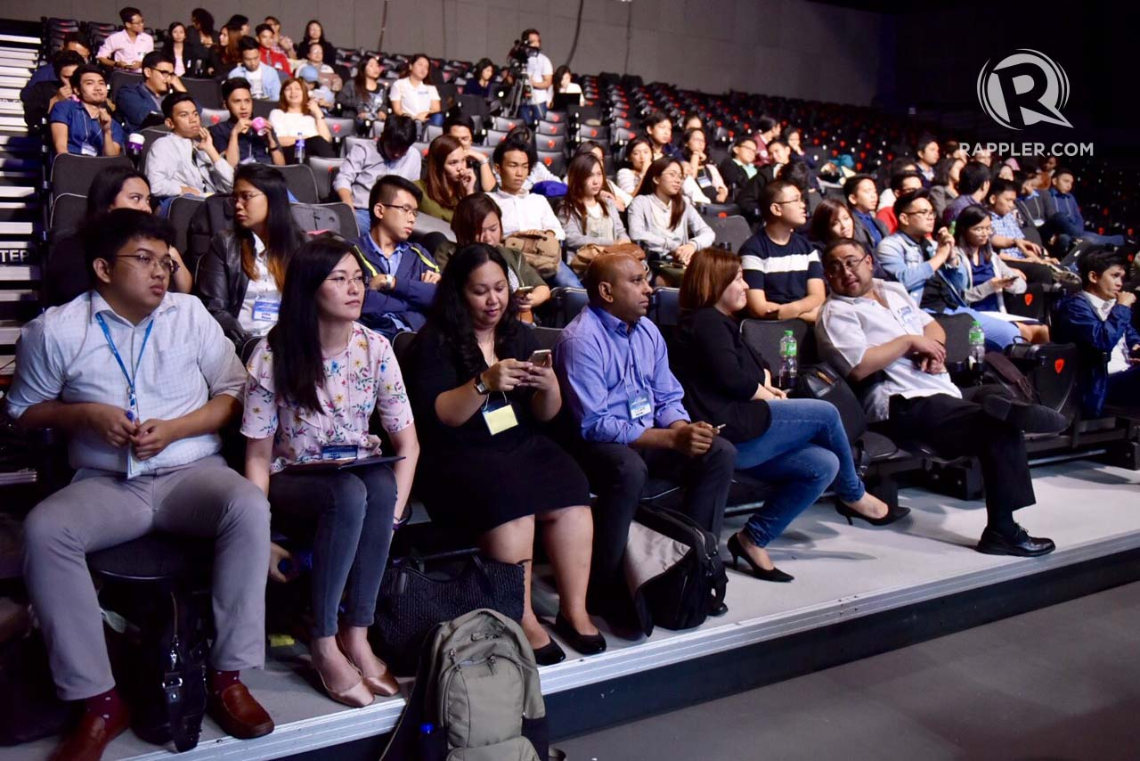PITCH. Finalists for this year's #HackSociety pitched their ideas that can help bring the country closer to achieve UNDP's sustainable development goals. Photo by Leanne Jazul/Rappler