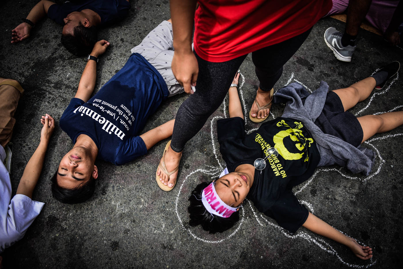 HUMAN RIGHTS. As the ASEAN Summit wraps up, activists highlight the issue of human rights. Photo by Alecs Ongcal/Rappler