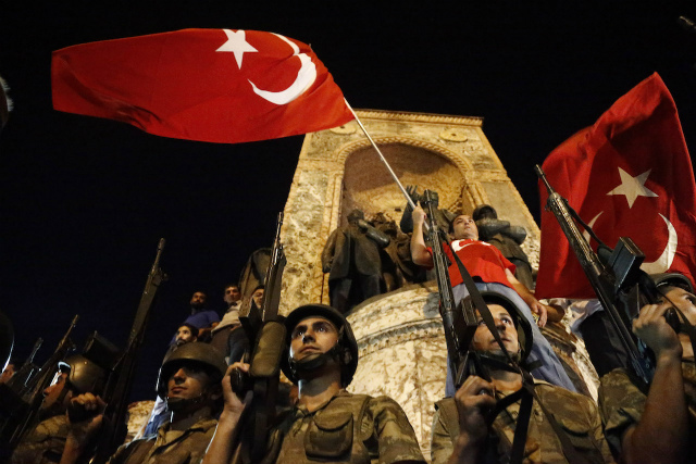 UNREST. Turkish soldiers stand guard at the Taksim Square in Istanbul, Turkey, July 16, 2016. Photo by Sedat Suna/EPA