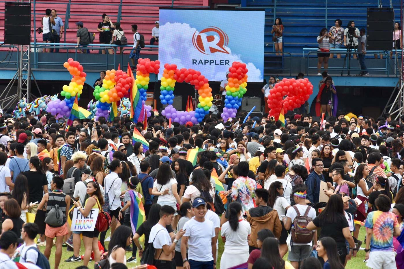 PRIDE MARCH. This year's Pride March draws a crowd of around 25,000 people. Photo by Angie de Silva/Rappler