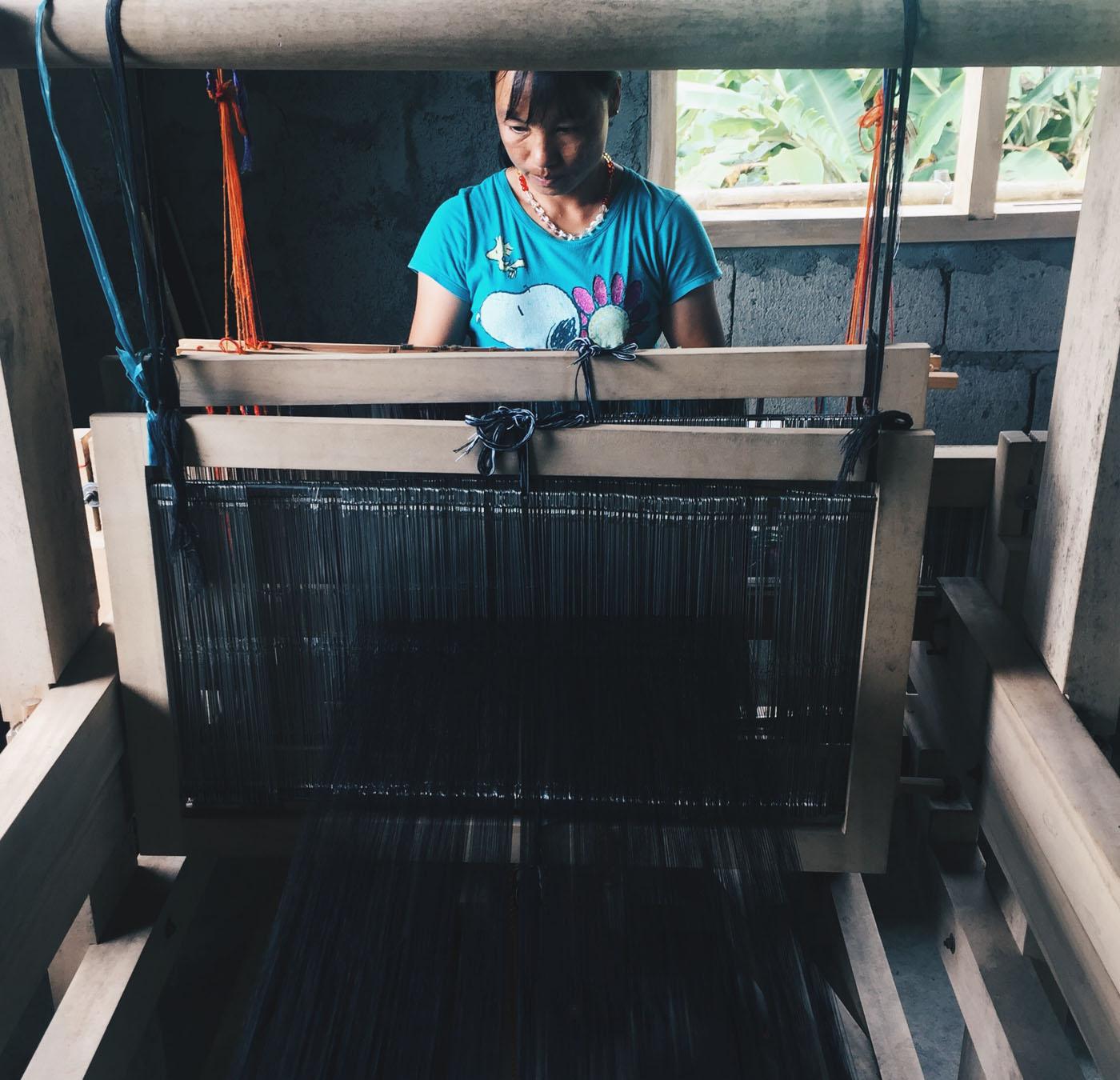 IFUGAO WEAVING. One of the few Ifugao women who continue to practice loom weaving. All photos by Joco Calimlim