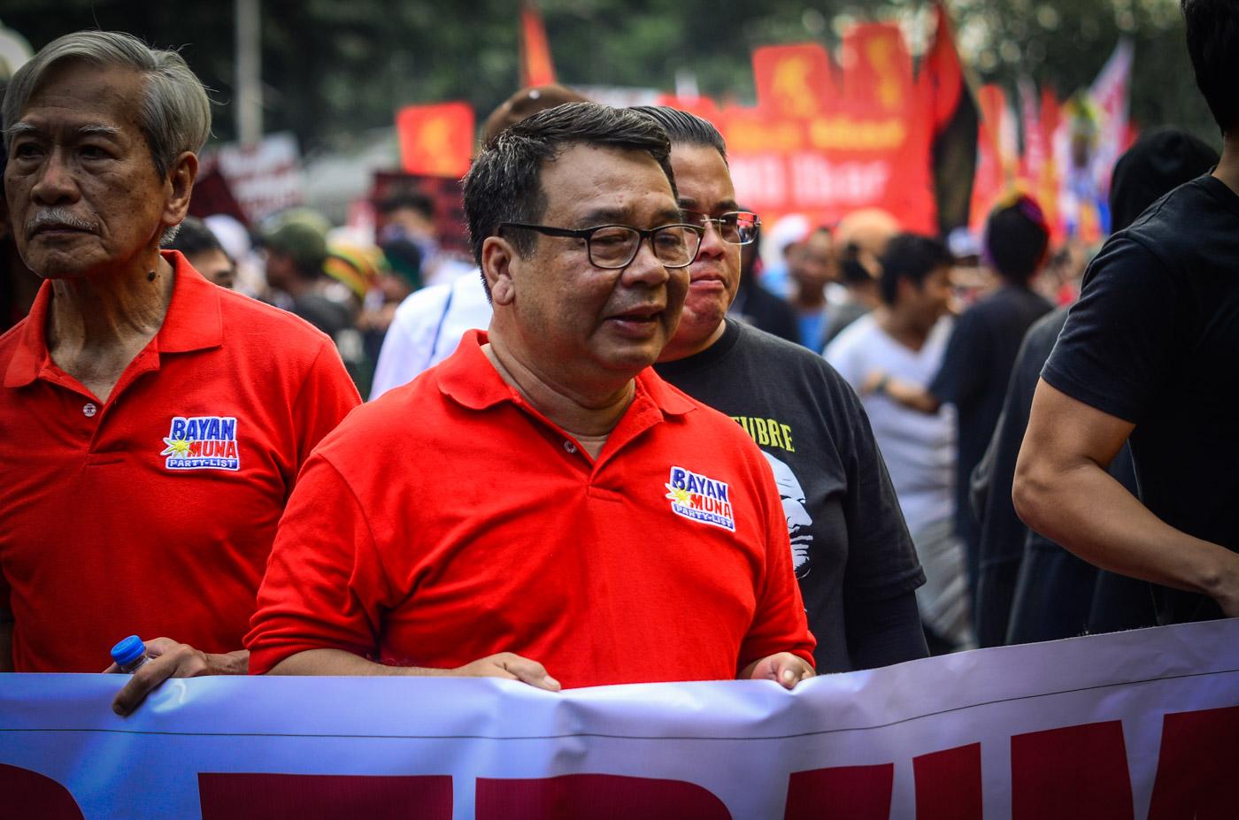 ATTENDEES. Former Bayan representatives Neri Colmenares and Satur Ocampo attend the November 13 protest.