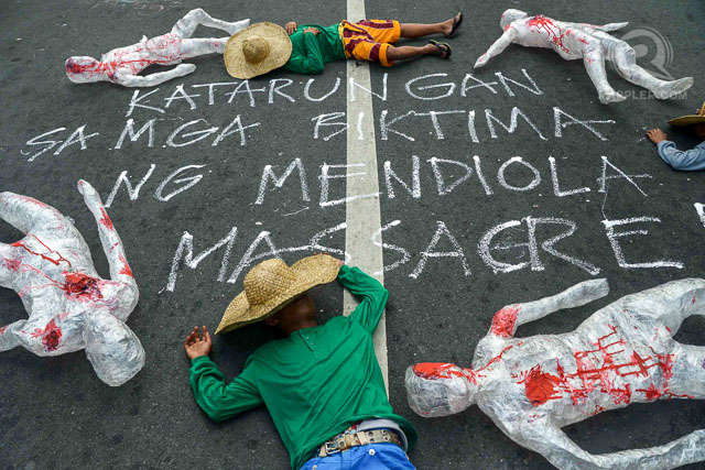 ANNIVERSARY. Rallyists gather at Mendiola Peace in Manila arc during the commemoration of the 28th anniversary of the Mendiola Massacre on January 22, 1987. Photos by Jansen Romero/Rappler