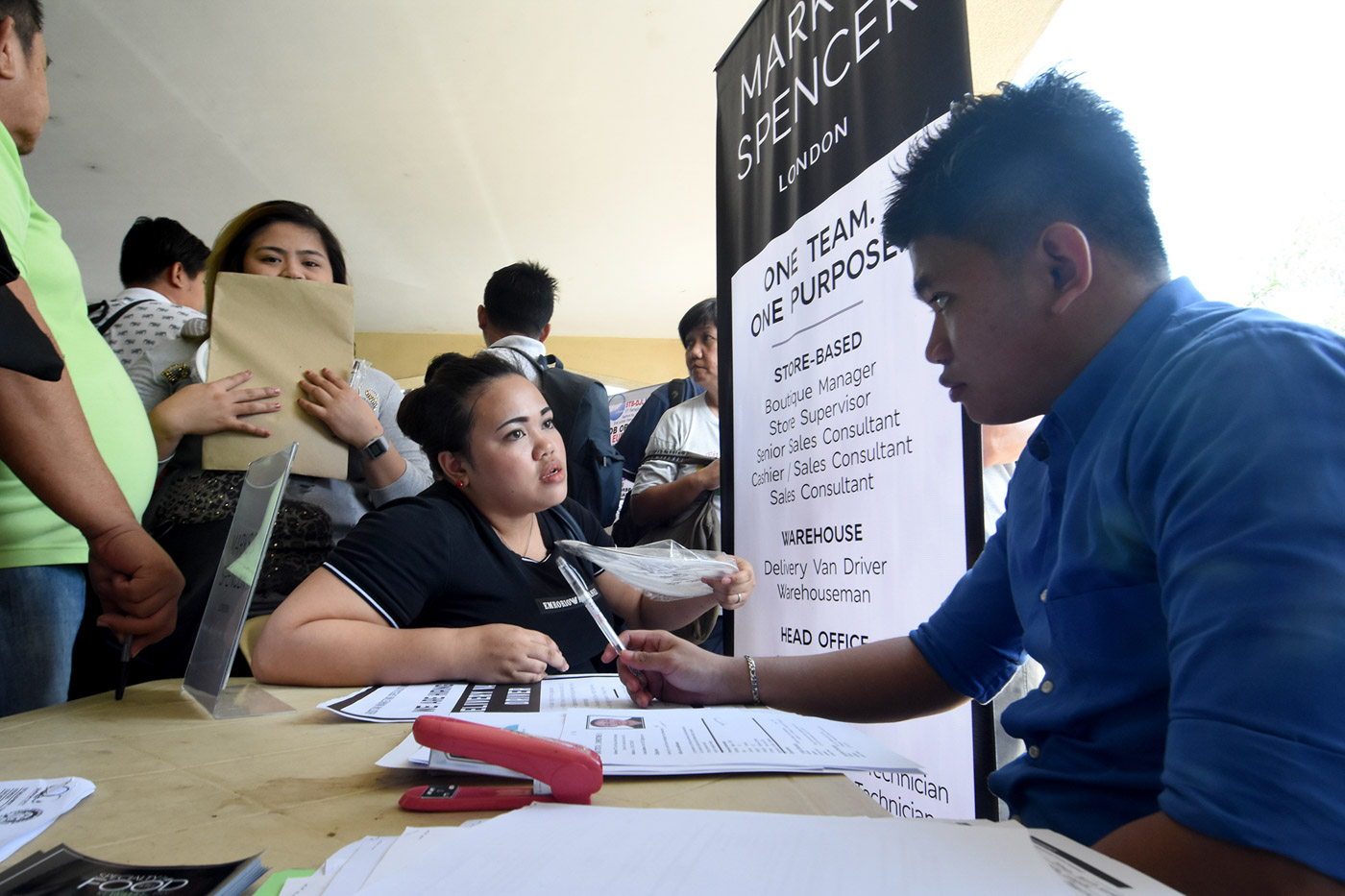 Around 26,138 applicants were interviewed during the job fair in Quezon Cirty Hall. Photo by Angie de Silva/Rappler