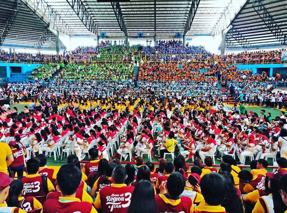 SEA OF COLORS. Each delegation wears a uniform color to represent their region, creating a vast sea of people taking up different colors. Photo by Efren Bogayon Jr./Bicol Region