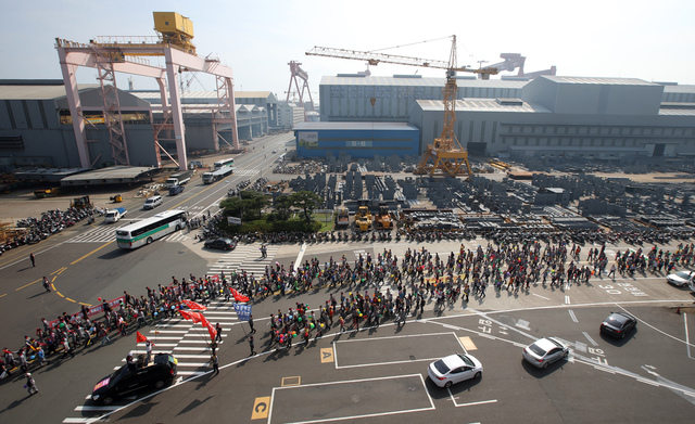 Korean shipyard workers also struck in September 2015, when this photo was taken at Hyundai Heavy Industries in Ulsan, South Korea.