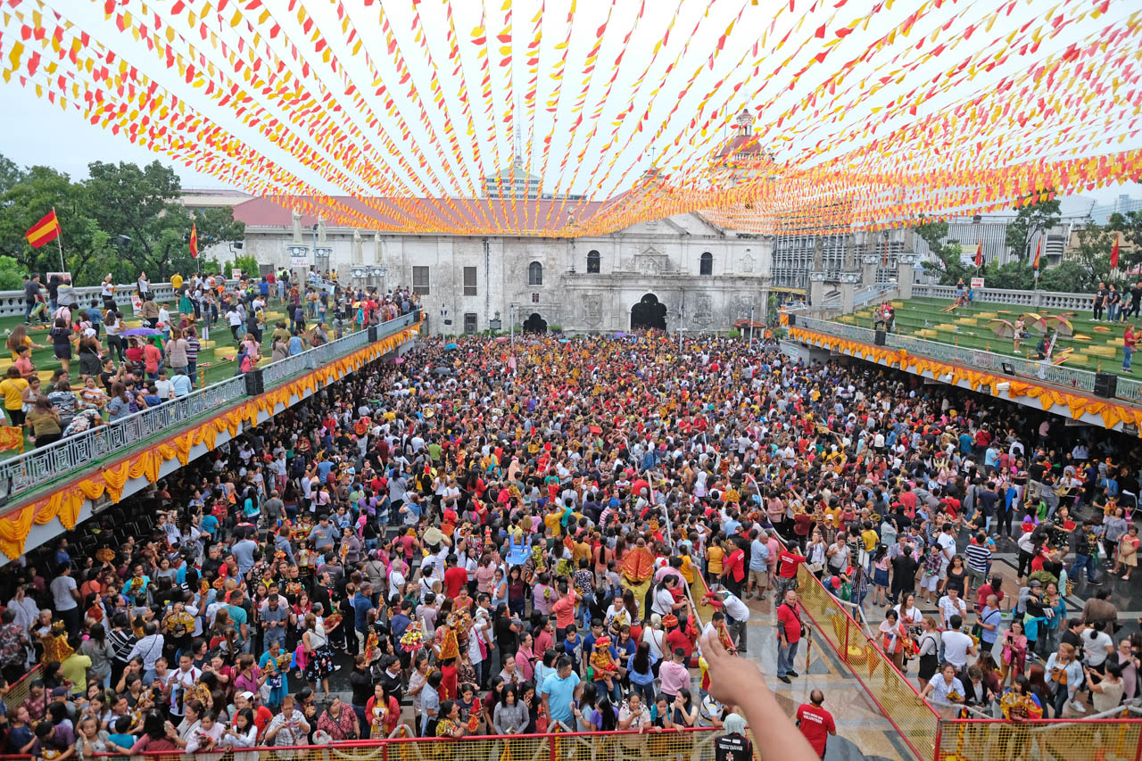 WALK WITH JESUS. At least 300,000 devotees joined the Walk with Jesus. Photo by Gelo Litonjua/Rappler