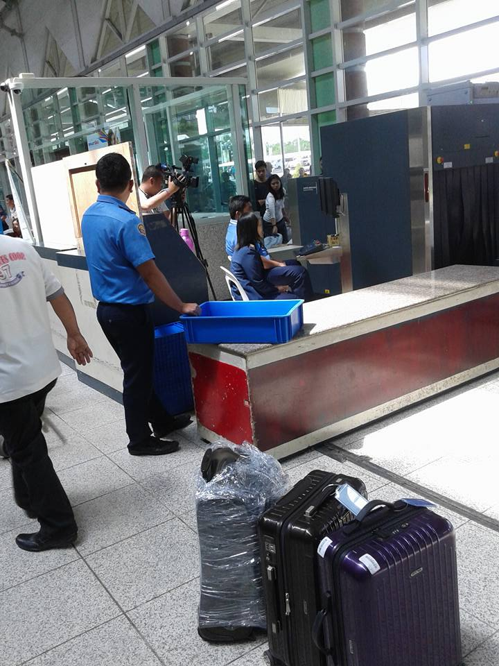 PREVENTING LAGLAG BALA. News cameras document the new preventative measures enforced at the  Francisco Bangoy Airport in Davao City. Photo by Yves Perdido