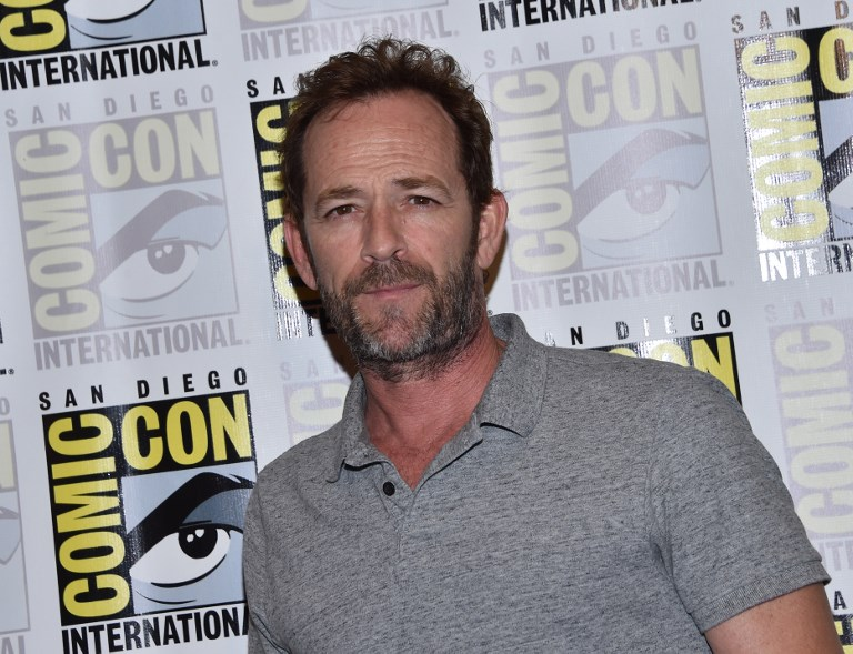 SCREEN ROLES. File photo shows Luke Perry arriving for the press line of 'Riverdale' at Comic Con in San Diego. The actor, known for his roles in '90210' and as Fred Andrews in 'Riverdale' died at the age of 52 after suffering a massive stroke. Photo by Chris Delmas/AFP