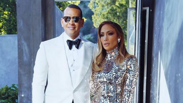 ENGAGED. Jennifer Lopez is engaged to former baseball player Alex Rodriguez. Screenshot from Instagram/@arod