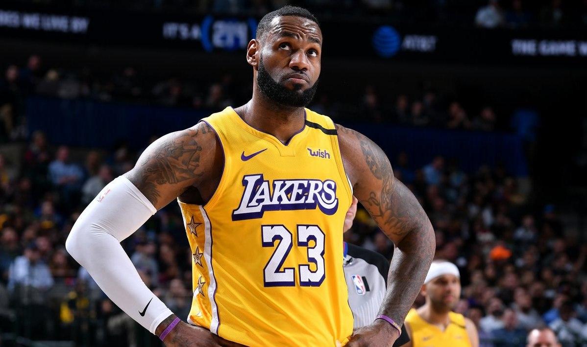 Record Breaking Lebron James Powers Lakers Past Mavs
