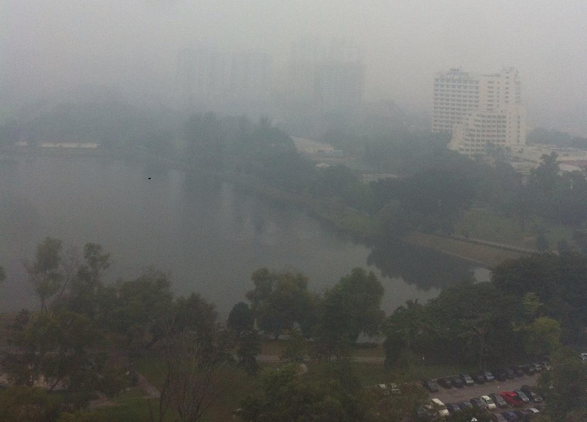 ASAP. Kabut asap yang pedih di mata. Foto: Fajar Mahendra Putra