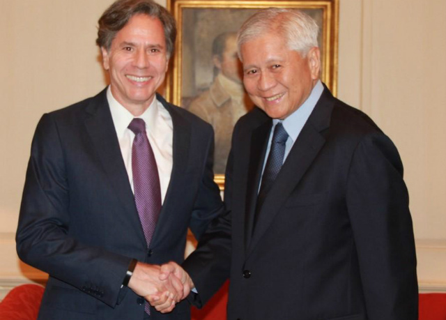 SEEKING SUPPORT. Philippine Foreign Secretary Albert del Rosario meets with US Deputy Secretary of State Antony Blinken during Del Rosario's two-day trip to Washington DC. Photo courtesy of DFA