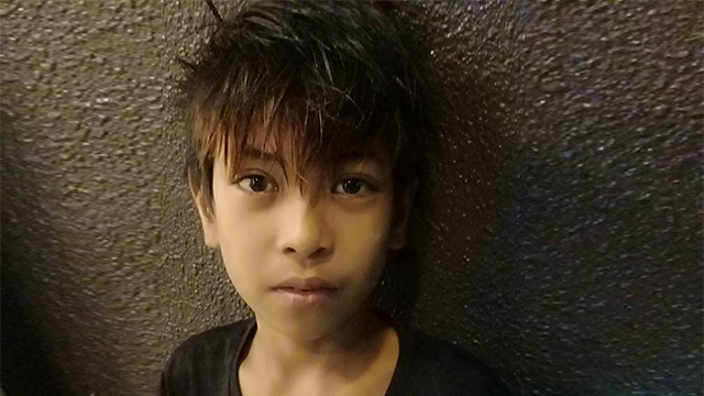 """HONEST BOY. Andrey Macabuhay is now famous as the """"honest parking boy"""" from Sta. Maria, Bulacan. Photo courtesy of Dindo Lorenzo"""