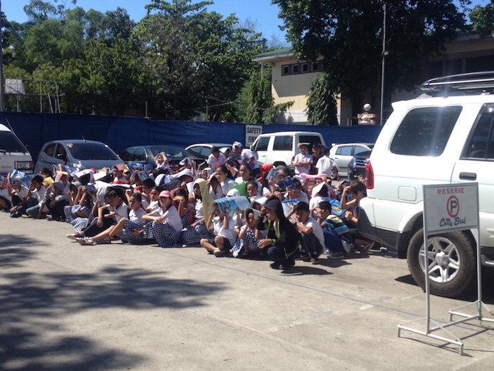STARTING YOUNG. Dumaguete reaches out to high school students in teaching the value of disaster preparedness. Photo from Dumaguete DRRMO
