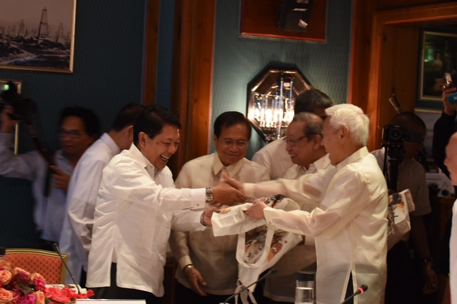 OPENING CEREMONIES. Formal negotiations between the Philippine government and the National Democratic Front of the Philippines begin on Monday, August 22