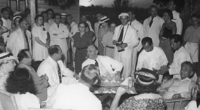 GATHERING. The Frieders brothers and former President Manuel Quezon at Mariquina Hall, April 23, 1940. Photo courtesy of American Public Television