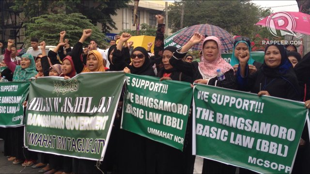 HANGING. Will the proposed Bangsamoro Basic Law pass Congress following the encounter that killed at least 50 individuals? File photo by Rappler