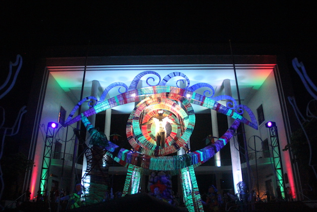 ANNUAL LANTERN. The annual lantern parade was led by the lighting of Mulat by Toym Imao. Photo by Iona Mendoza/Rappler