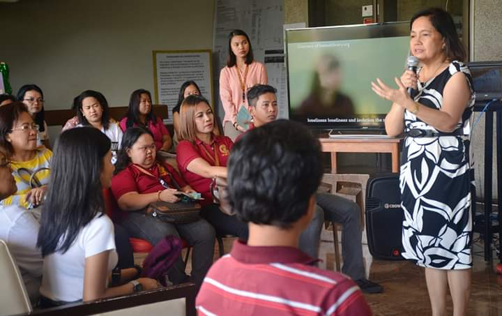 MEANINGFUL DISCOURSE. Dr. Portia G. Lapitan, Vice Chancellor for Academic Affairs of the University of the Philippines Los Baños (UPLB), opens the Human Book fair with a speech. Photo from UPLB Human Library Facebook page