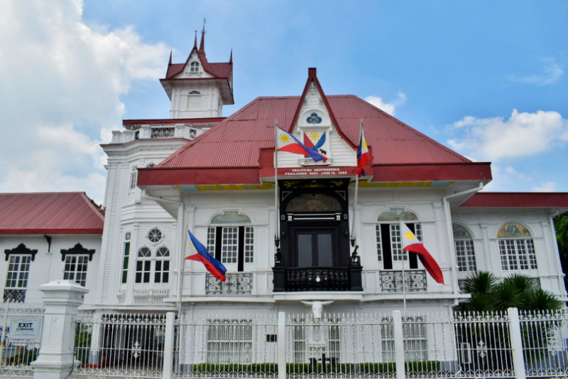 SYMBOLIC. The curator of Aguinaldo shrine says the Philippine flag symbolized our identity as Filipinos. All photos by Jonnel Gozo/Rappler
