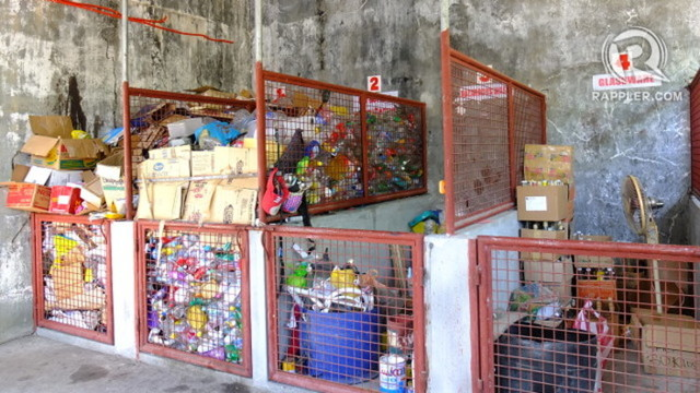 SORTING. This materials recovery facility in Pampanga sorts garbage for recycling. Photo by Pia Ranada/Rappler