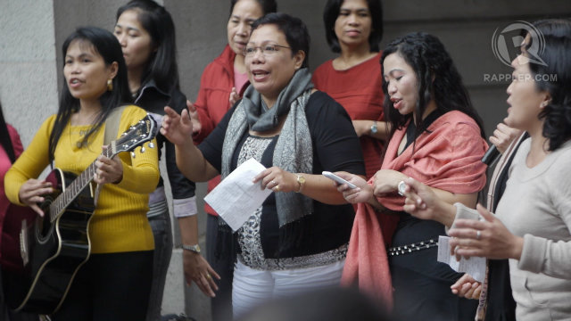 MINIMUM WAGE. Hong Kong raises wages for foreign domestic workers. File photo by Devon Wong/Rappler