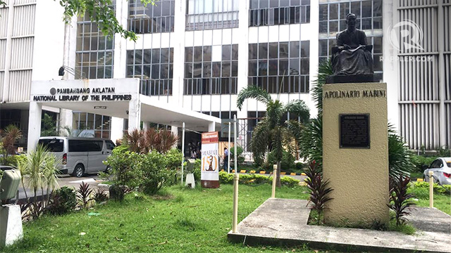MABINI. A statue of Apolinario Mabini can be seen in front of the National Library at Ermita, Manila. Photo by Michael Bueza/Rappler