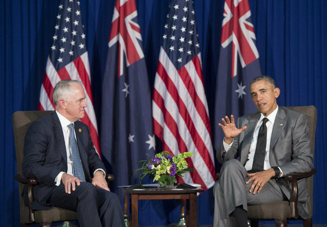 'PEACEFUL SETTLEMENT.' Australian Prime Minister Malcolm Turbull and US President Barack Obama push for peaceful settlement of the South China Sea dispute. They meet in Manila on the sidelines of the Asia-Pacific Economic Cooperation (APEC) Summit. Photo by Saul Loeb/AFP