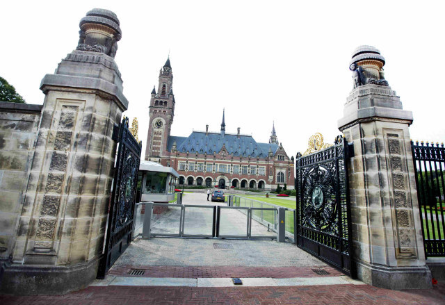 LEGAL BATTLEGROUND. A picture made available July 28, 2014, shows the seat of the Permanent Court of Arbitration at the Vredespaleis (Peace Palace), in The Hague, the Netherlands on August 27, 2013. File photo by Guus Shoonewille/EPA