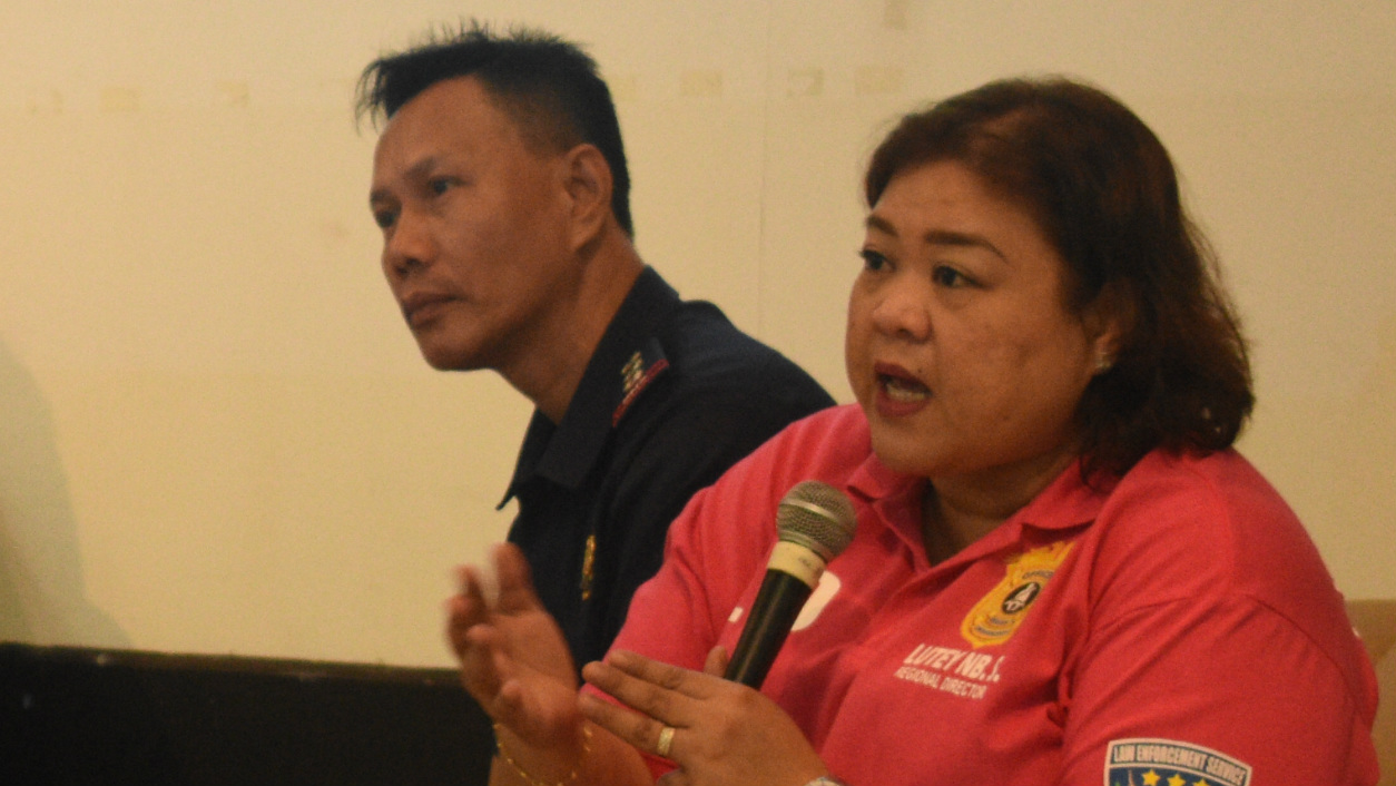 EDUCATION. LTO Region V Director Noreen San Luis-Lutey pushed for education of road safety to elementary students. Photo by Homer Rafael Refuerzo/Rappler