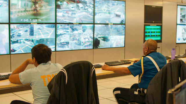 INSIDE C3. Pasig City responders monitor CCTV cameras in different barangays for emergency and disaster incidents. File photo by Rappler