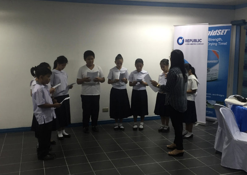 KALINGA KIDS. In this photo taken on May 30, 2018 students from Timoteo Policarpio M. Elementary perform a short number during the press conference. All photos by Luisa Jocson