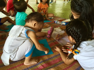 ART. Children from Barangay 174 in Caloocan enjoy their play and art time. Photo by Fritzie Rodriguez/Save the Children